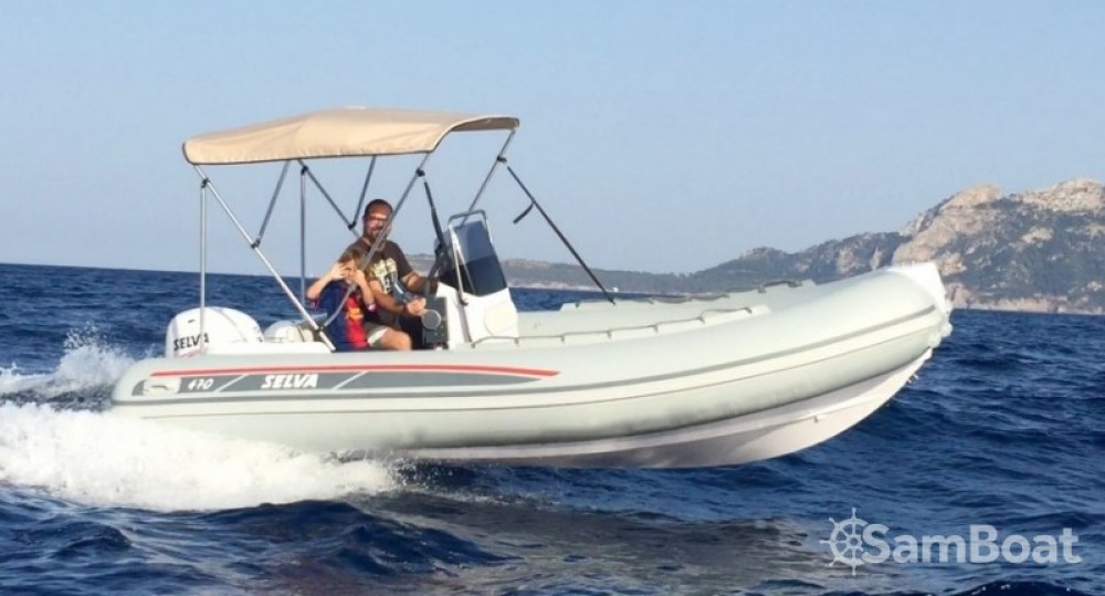 Rental RIB Selva with a permit