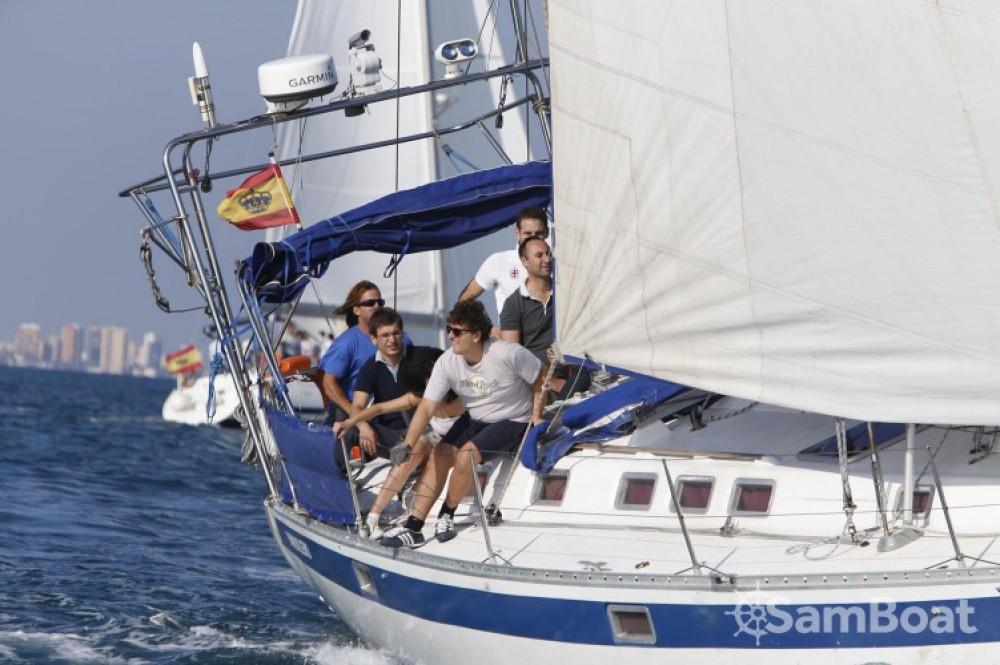 Rental Sailboat in Valencia - Bénéteau Oceanis 510