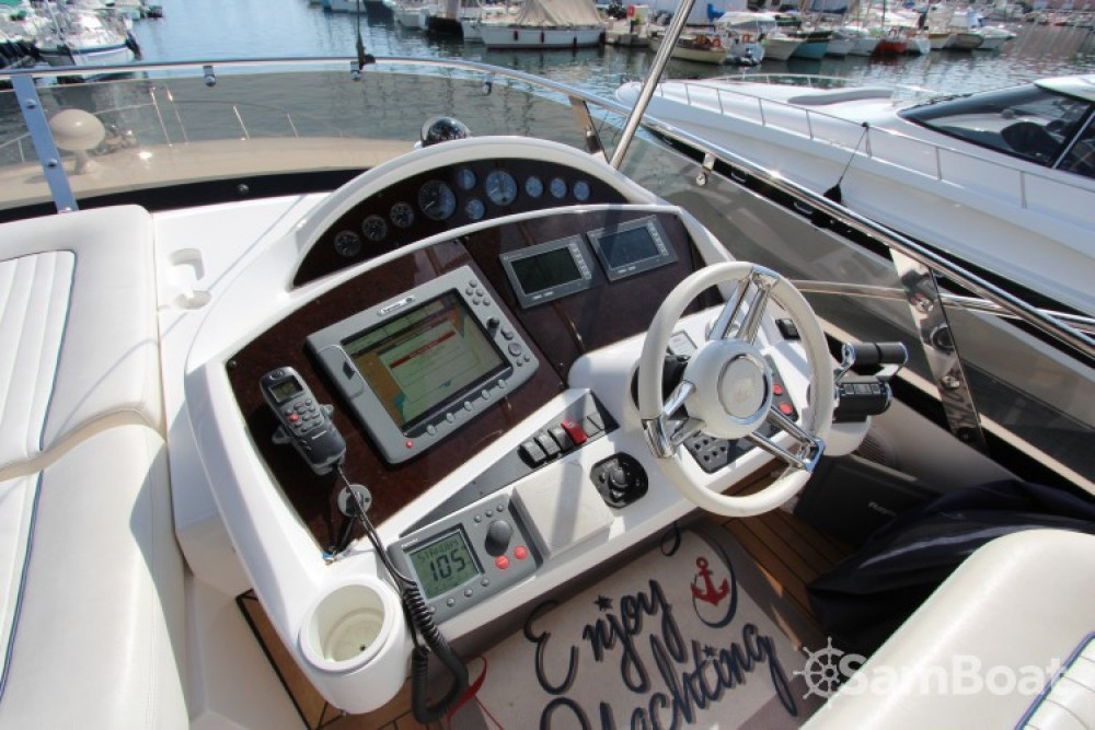 Hire Yacht with or without skipper Sunseeker Cannes