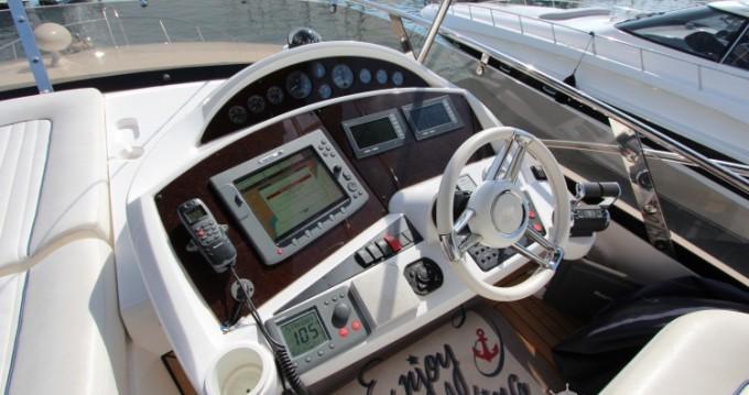 Rental yacht Cannes - Sunseeker 19 on SamBoat