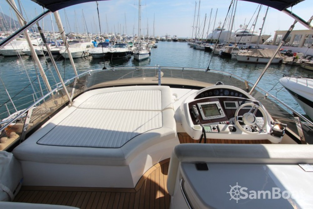 Sunseeker 19 between personal and professional Cannes