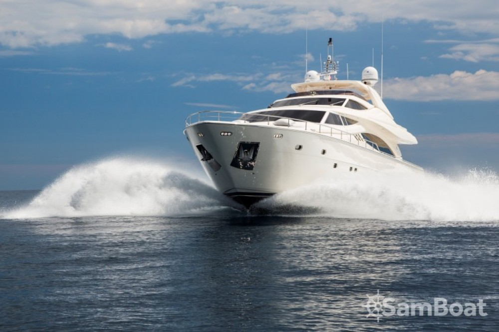 Hire Yacht with or without skipper Ferretti Saint-Tropez