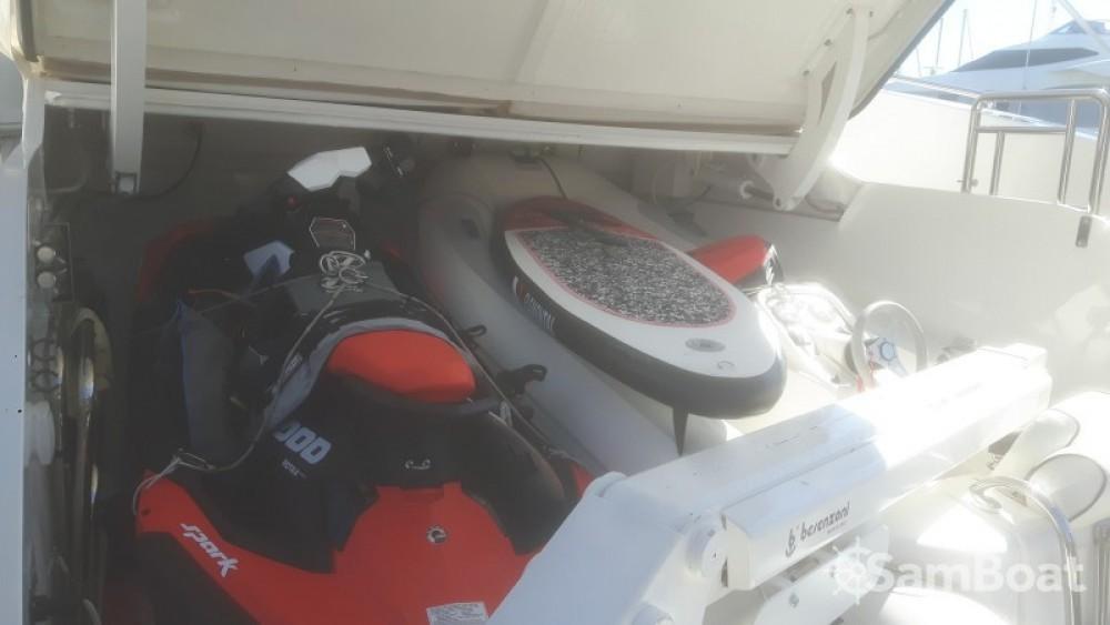 Boat rental Saint-Tropez cheap 27.45