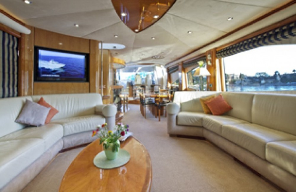 Boat rental Saint-Tropez cheap 28