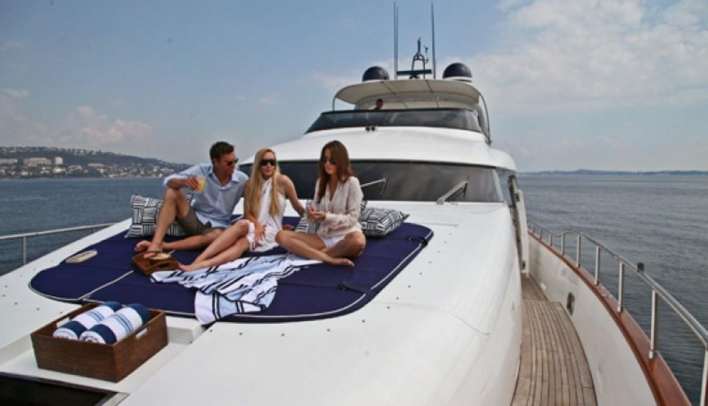 Rental Yacht in Saint-Tropez - Maiora 28