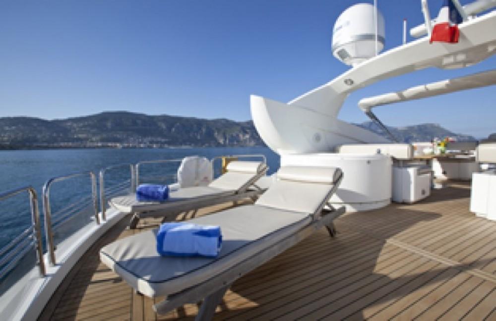 Rental yacht Saint-Tropez - Sunseeker 28 on SamBoat