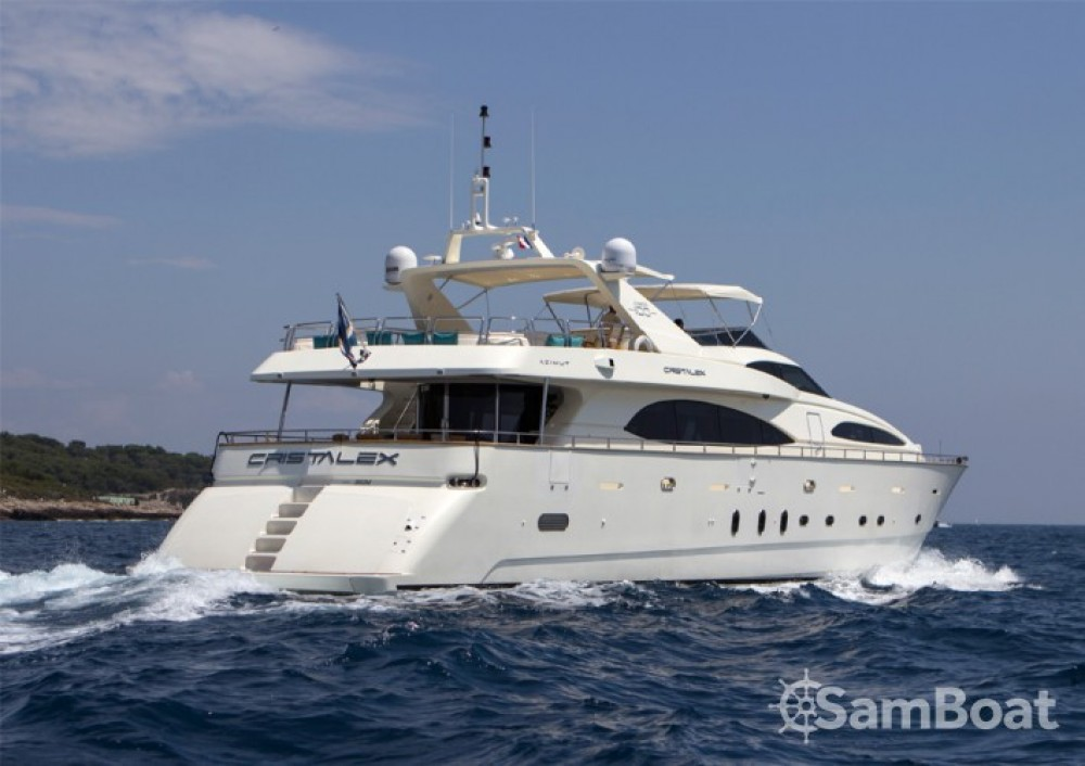Azimut 30.4 between personal and professional Saint-Tropez