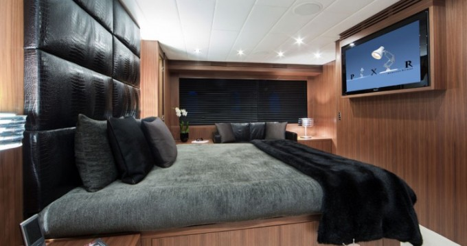 Arno Leopard Leopard 31 between personal and professional Saint-Tropez