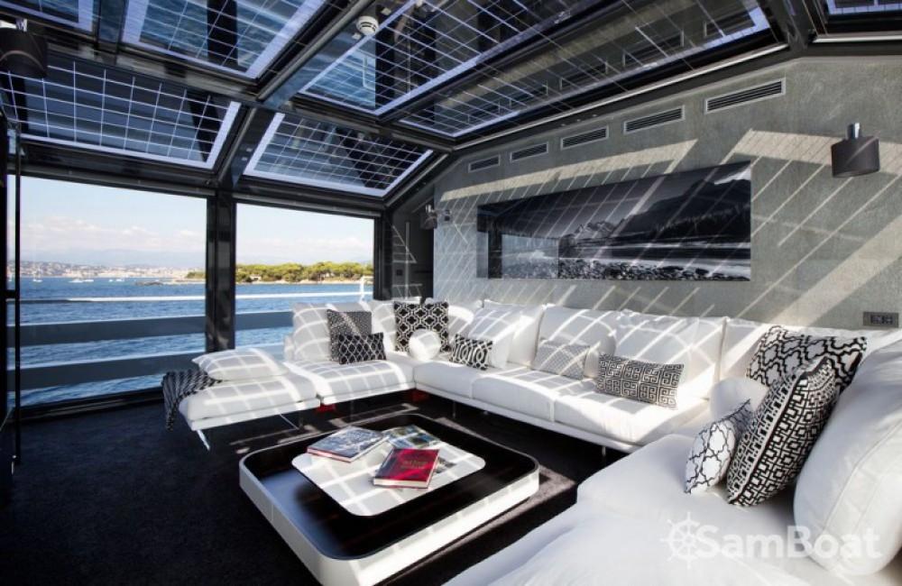 Boat rental Arcadia 35 in Saint-Tropez on Samboat