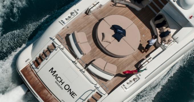 Rental yacht Saint-Tropez - Mangusta 32 on SamBoat