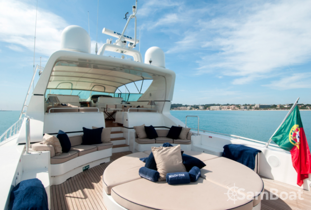 Mangusta 32 between personal and professional Saint-Tropez