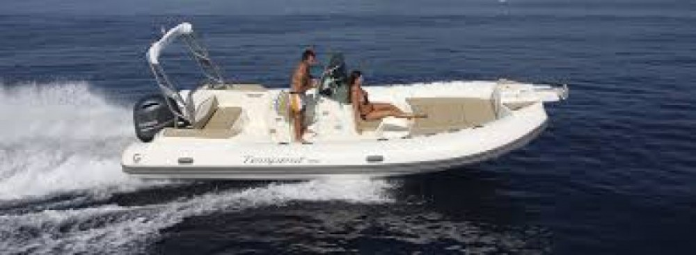 Boat rental Fort-de-France cheap Tempest 700