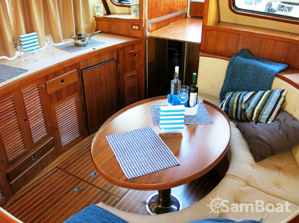 Hire Motorboat with or without skipper Trawler Grad Zadar