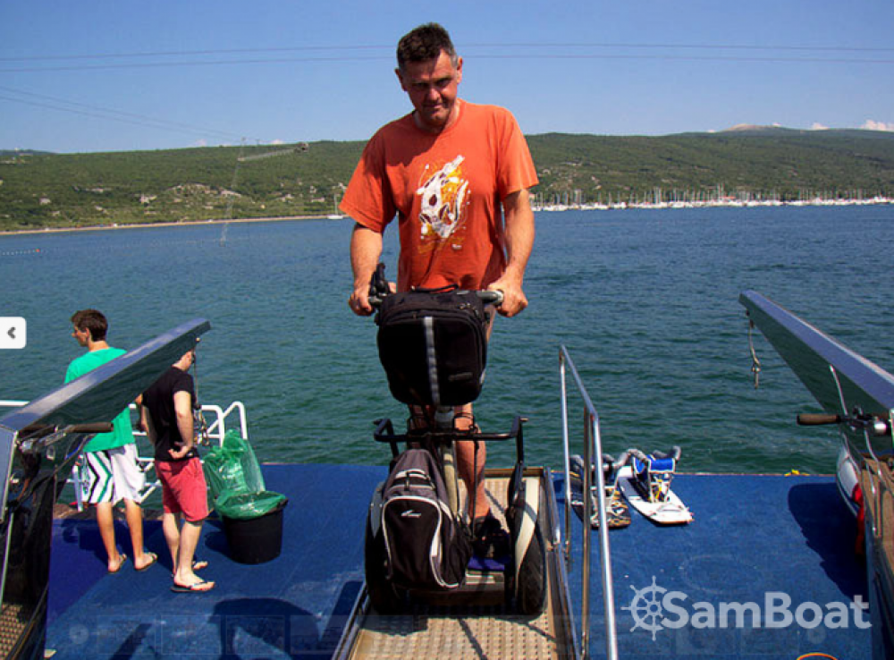 Trawler Wheelchair accessible boat between personal and professional Grad Zadar