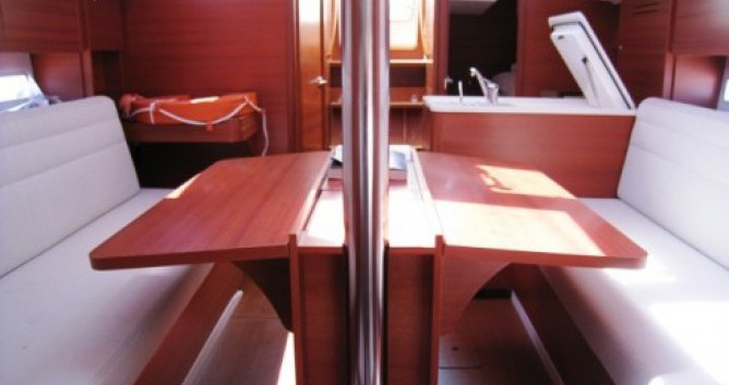 Rental Sailboat in La Rochelle - Dufour Dufour 310 Grand Large