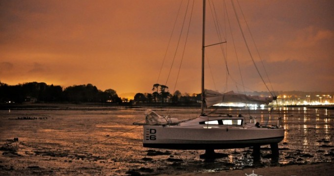 Hire Sailboat with or without skipper Maree-Haute La Rochelle