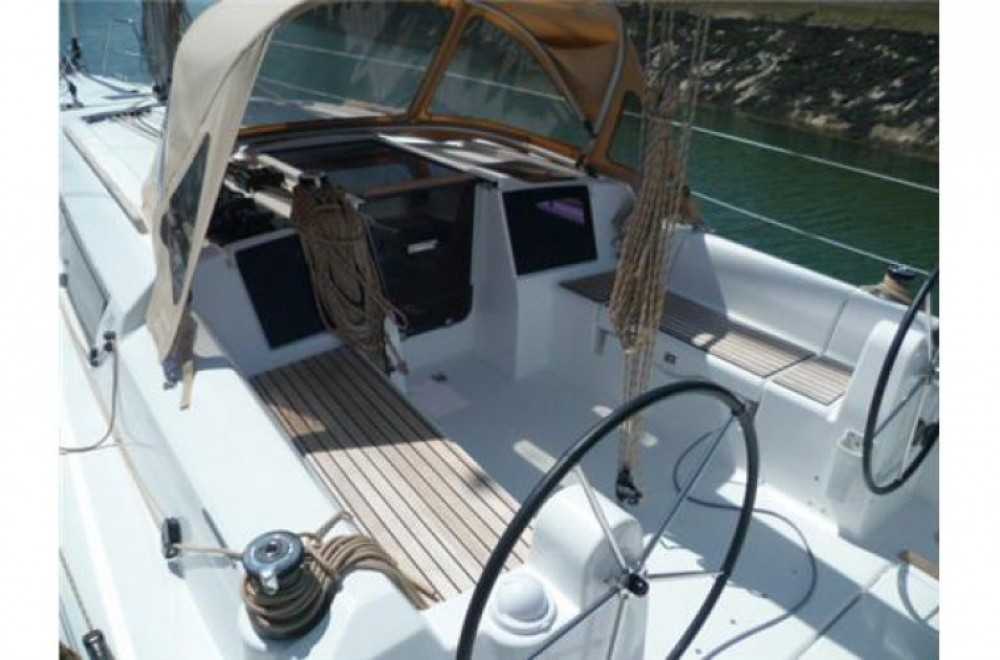 Hire Sailboat with or without skipper Dufour La Rochelle