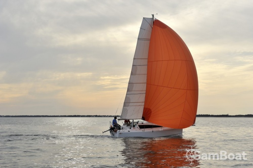 Boat rental Maree-Haute Django 6.7 in La Rochelle on Samboat