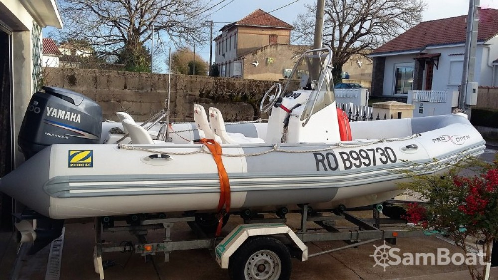 Hire RIB with or without skipper Zodiac Pornic