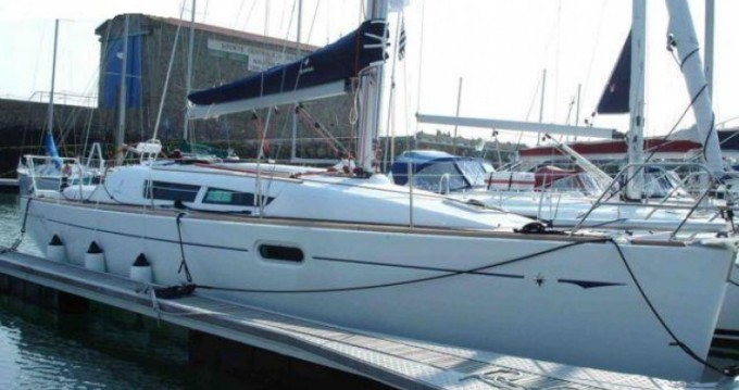 Rental Sailboat in La Trinité-sur-Mer - Jeanneau Sun Odyssey 36i Performance