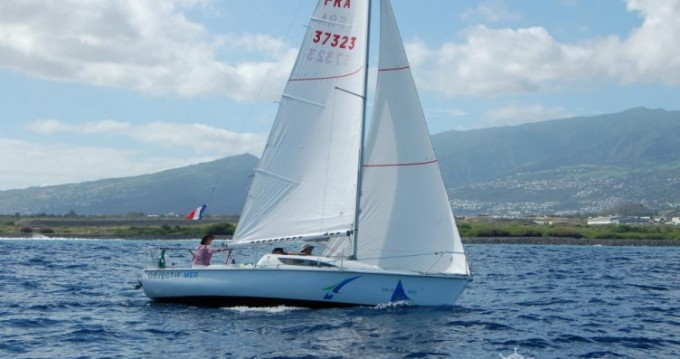 Sailboat for rent Arcachon at the best price