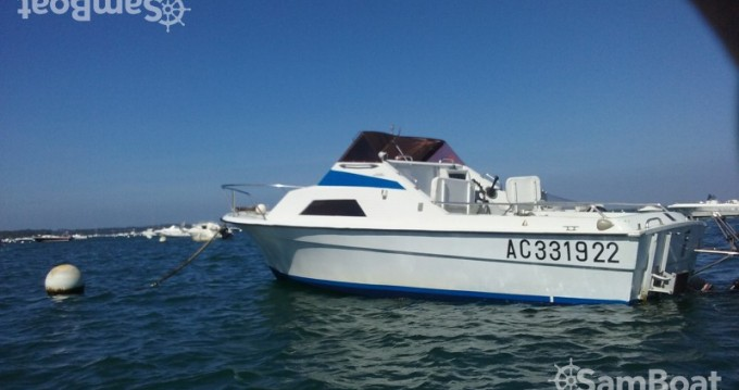 Boat rental Yachting-France Claridge in Lège-Cap-Ferret on Samboat