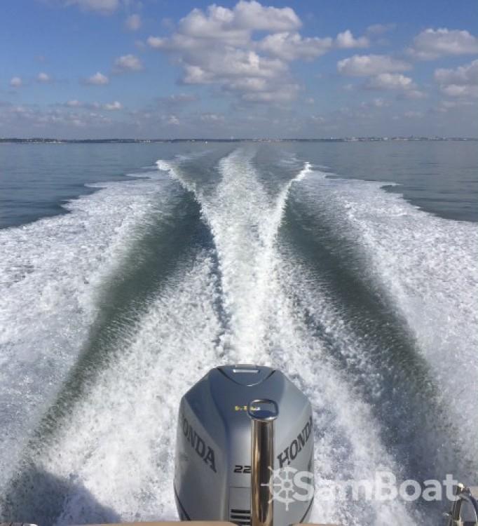 Boat rental Royan cheap Cap Camarat 7.5 WA