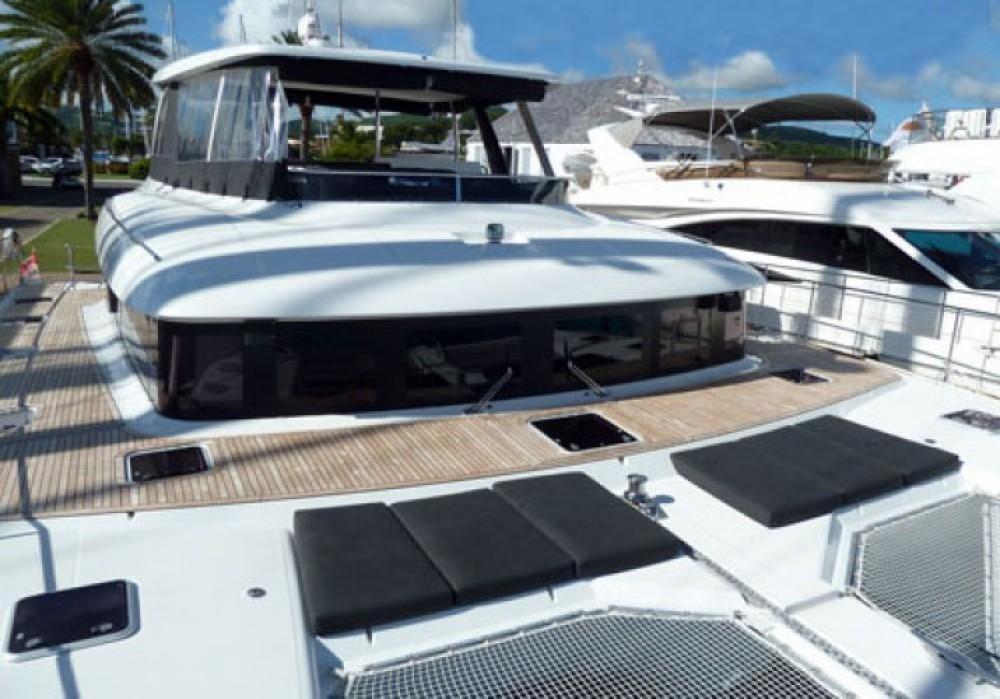 Boat rental Lagoon Lagoon 630 Motor Yacht in Mykonos on Samboat
