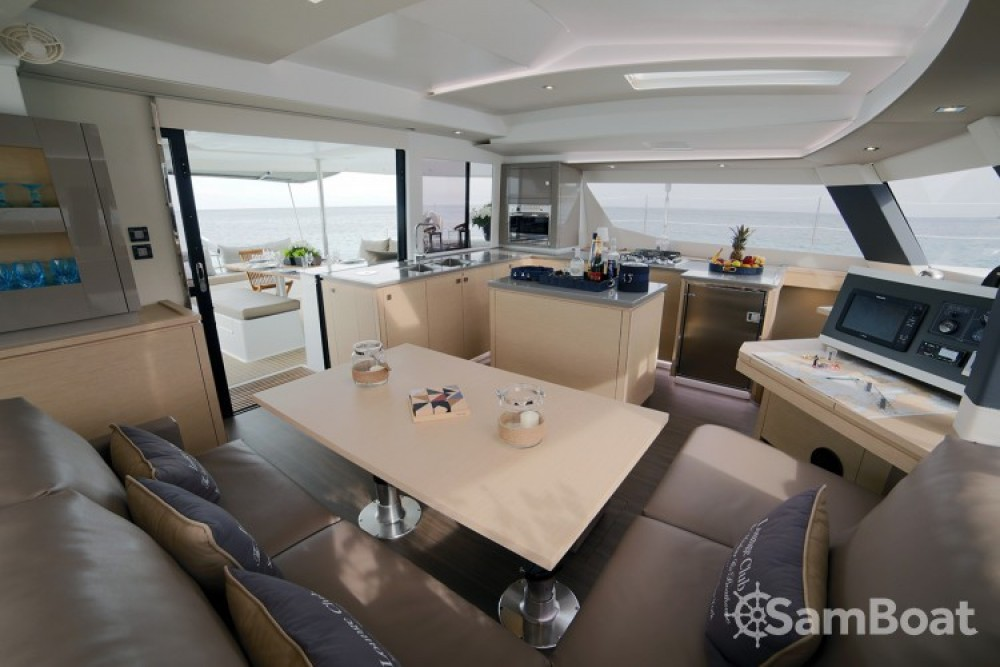 Hire Catamaran with or without skipper Fountaine Pajot Atene