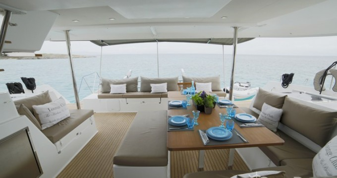Boat rental Fountaine Pajot Berret in Athens on Samboat