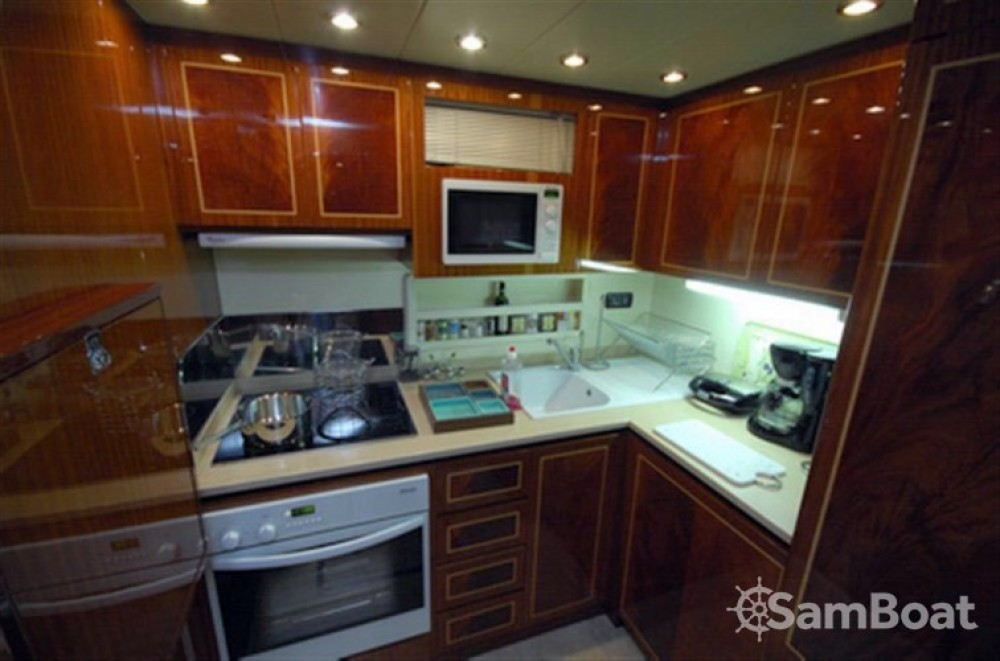 Boat rental Athens cheap overmarine
