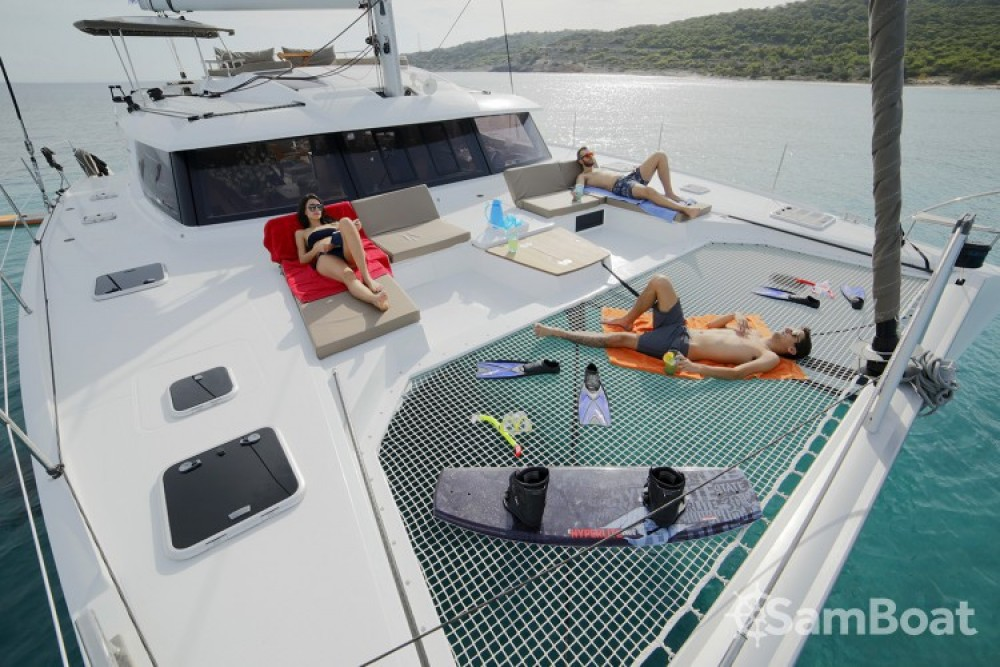 Rental Catamaran in Atene - Fountaine Pajot Berret
