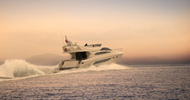 Rental Yacht in Athens - Riva yacht
