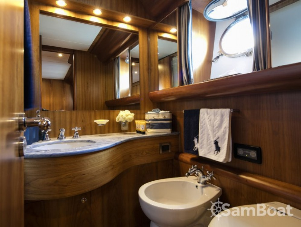Rental Yacht in Athens - Canados yacht