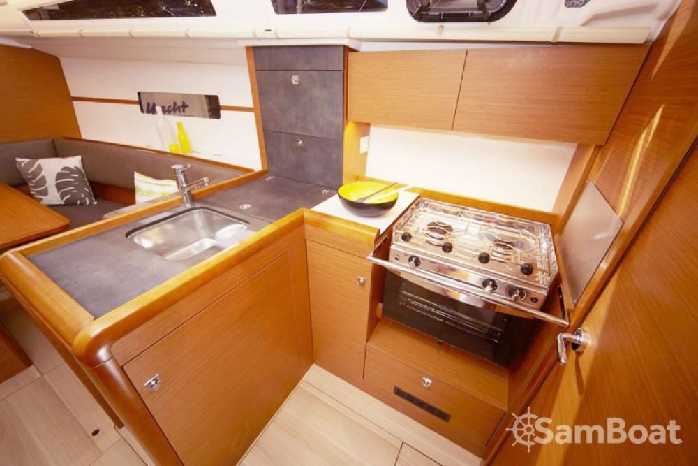 Boat rental Jeanneau Sun Odyssey 349 in Porto Ercole on Samboat
