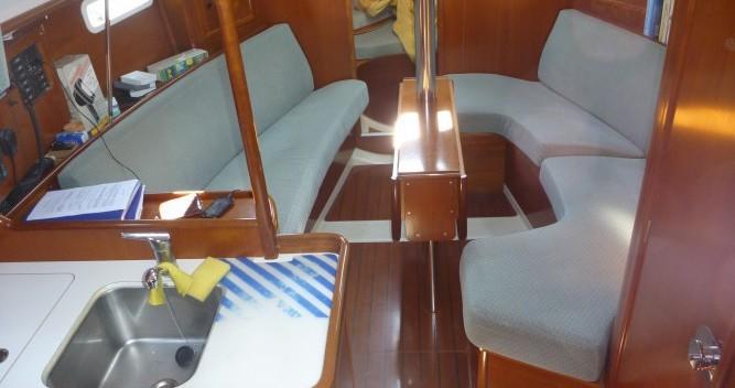 Boat rental Bénéteau Oceanis 331 Clipper in Provincia di Olbia-Tempio on Samboat