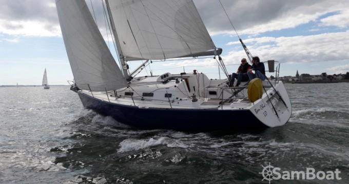 Boat rental Bénéteau First 36.7 in Larmor-Plage on Samboat