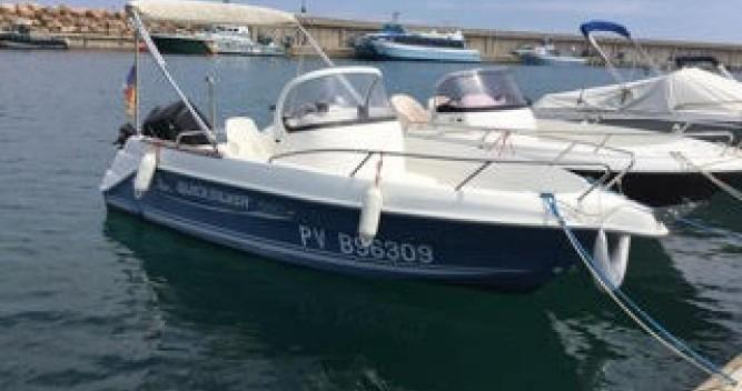 Boat rental Quicksilver Quicksilver 550 Commander in l'Escala on Samboat