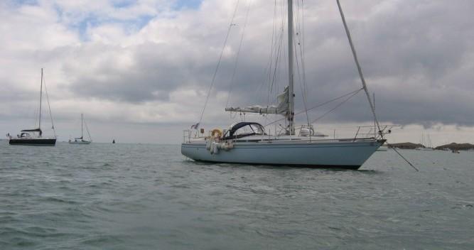 Rental Sailboat in Port du Crouesty - Jeanneau Gin Fizz gréé en sloop