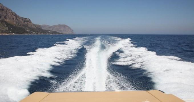Boat rental Mano Marine Mano Marine 38.50 in Palermo on Samboat