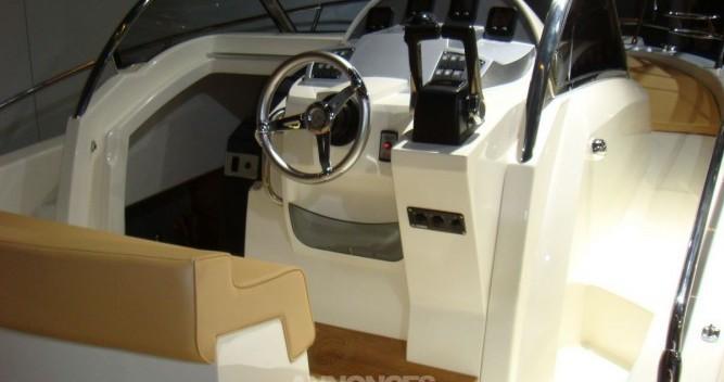 Boat rental Hyères cheap Cap 32 WA