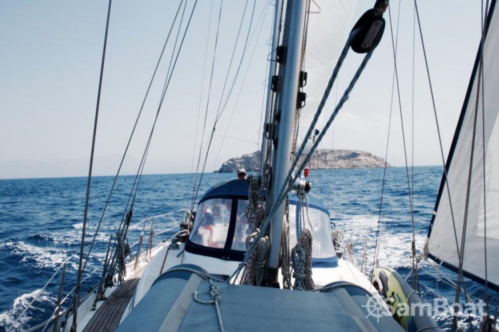 Boat rental Xiam-Hong-Kong Celestial 48 in Marseille on Samboat