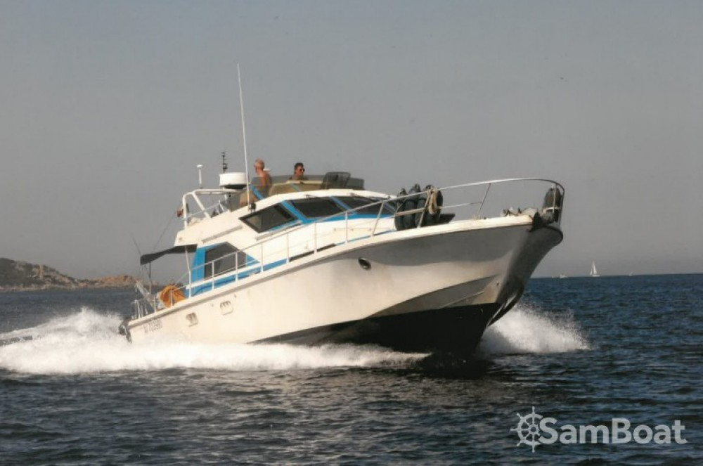 Hire Motorboat with or without skipper Guy Couach Marseille