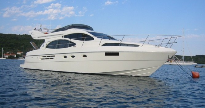 Hire Motorboat with or without skipper Azimut Porto San Giorgio