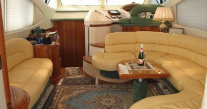 Rental Motorboat Azimut with a permit