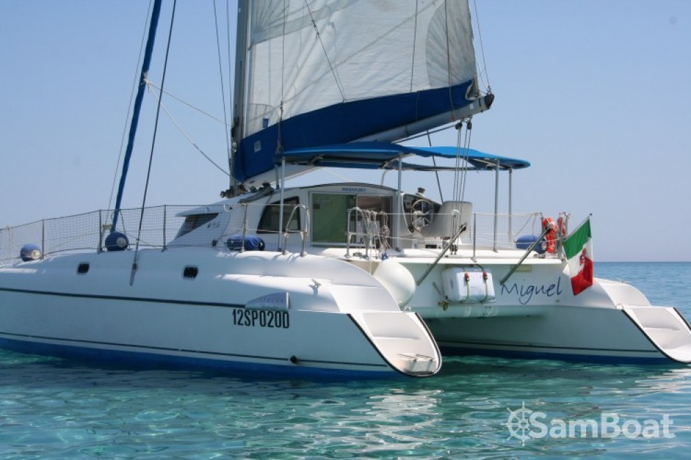 Catamaran for rent Isthintini/Stintino at the best price
