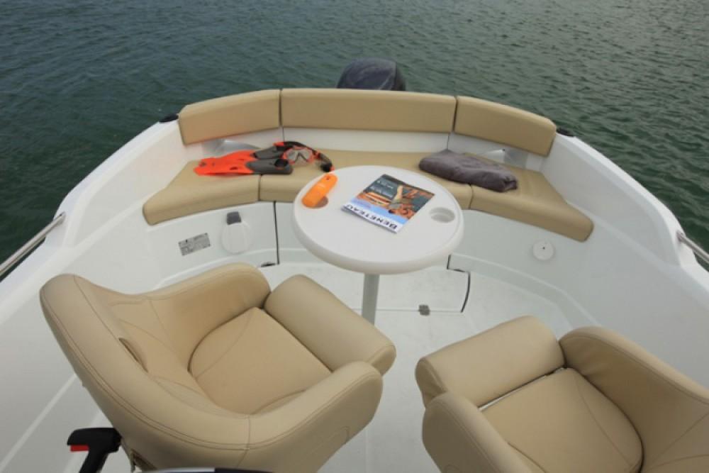 Motorboat for rent Torroella de Montgrí at the best price