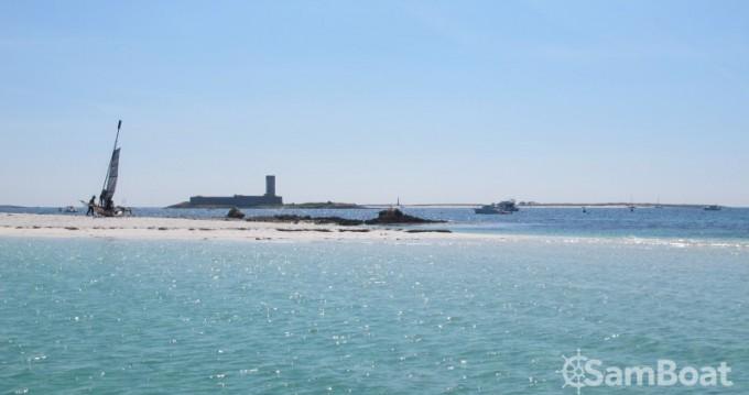 Rent a Bombard Sunrider 650 Lorient