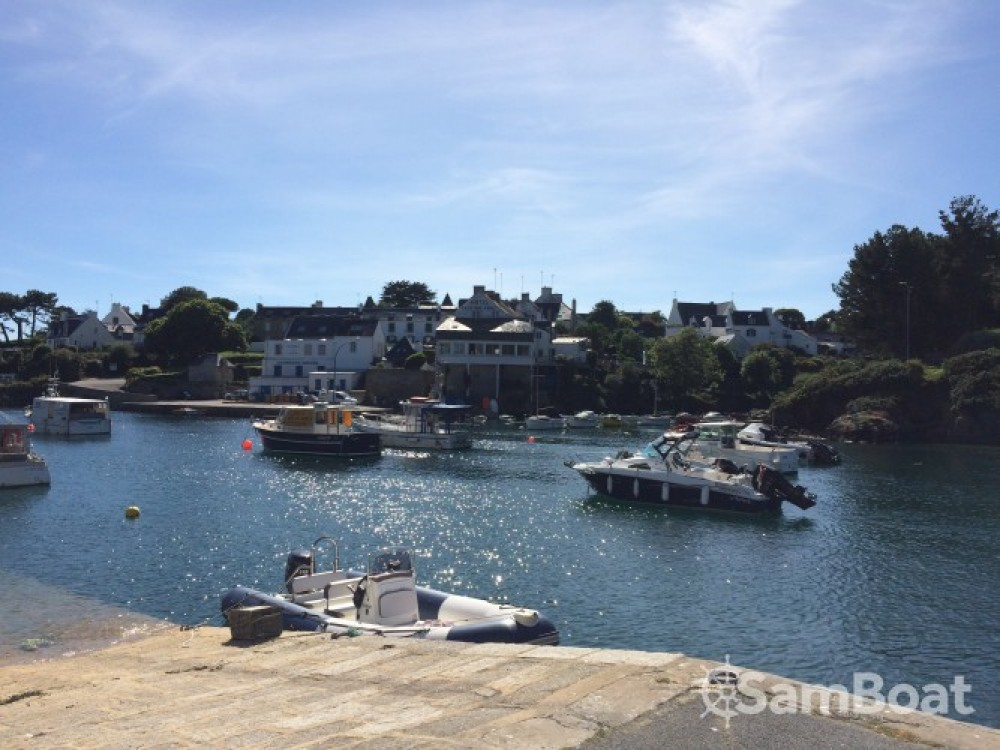 Boat rental Lorient cheap Sunrider 650
