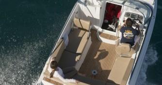 Rental Motorboat in Hyères - Jeanneau Cap Camarat 6.5 DC